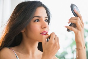 applying_makeup